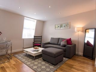 Queensway V apartment in Westminster with WiFi & dakterras.