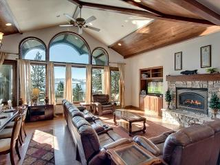 Luxury Lakeview Home (ZC635) 635 Lakeview Drive, Zephyr Cove