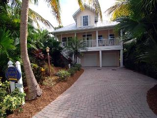 Captiva Village Area Luxury Home with Pool near Beach, Captiva Island