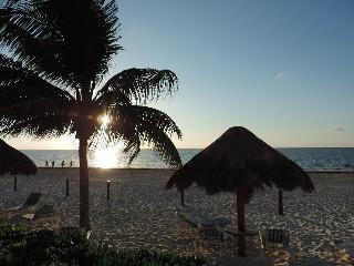Beach Front condo, Riviera Maya, Cancún, Puerto Morelos