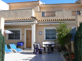 Modern 3 bed house with pretty garden at the beach, Los Urrutias