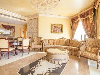 Luxury and spacious 3 BR + Maid on Palm Jumeirah, Dubai