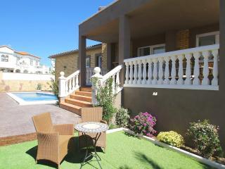 B05 FLANDES villa piscina privada, cerca del mar, L'Hospitalet de l'Infant