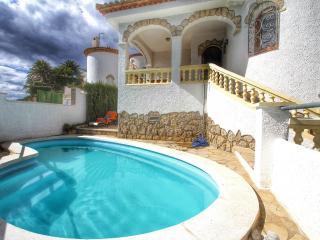 B16 ANDORRA villa piscina privada cerca del mar, L'Hospitalet de l'Infant