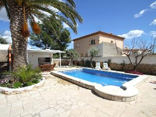 B28 DONOSTI villa con piscina privada y jardín, Miami Platja