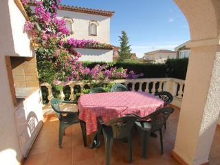 C33 MASIA1 adosado con jardín privado y piscina