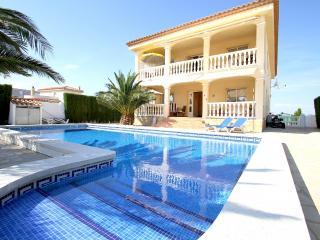 B26 CORONA villa con piscina privada y jardín, Miami Platja