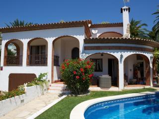 B32 DAMA villa con piscina privada cerca del mar, L'Hospitalet de l'Infant