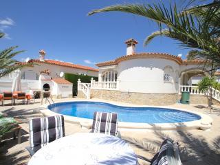 B37 ZAFIRO villa con piscina privada y jardín