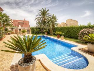 B39 LOURDES villa, piscina privada y gran jardín, Miami Platja