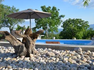 Charmy & Cozy house with pool, Imotski