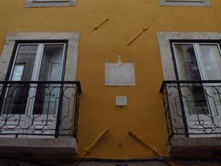 227 FLH Madragoa Artesanato Apartment, Lisbon