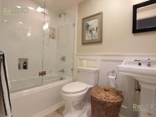 CHARMING AND SPOTLESS FURNISHED STUDIO APARTMENT WITH PRIVATE BATHROOM, San Francisco