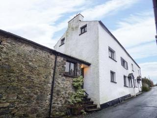 HIGH HOUSE, stone, end-terrace cottage, multi-fuel stove, summerhouse, pet-friendly, in Newton in Cartmel, Cartmel, Ref 929869