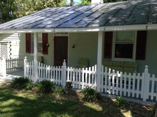 Stoney Man Historic Cottage-Luray VA-Sleeps 4