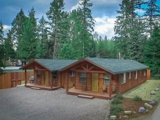 Glacier Canyon River Cabins, Glacier National Park, Hungry Horse