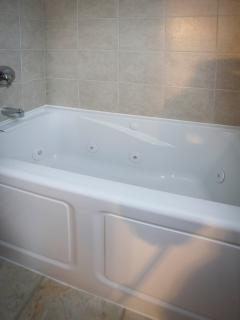 Jacuzzi tub in master bath