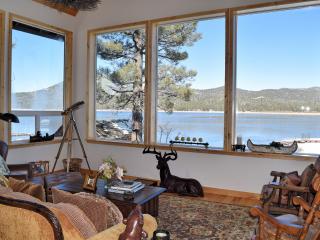 Gilner Point: Lakefront! Spa! Gourmet Kitchen!, Big Bear Lake