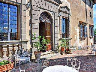 Tuscan Apartment in Historic Castle - Il Castello 8