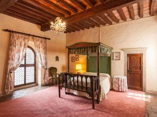 Tuscan Apartment in Historic Castle - Il Castello 24