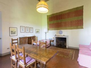 Tuscan Apartment in Historic Castle - Il Castello 35, Montespertoli