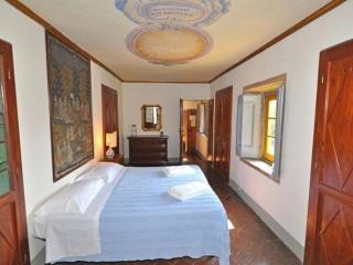 Tuscan Apartment in Historic Castle - Il Castello Cappella, Montespertoli