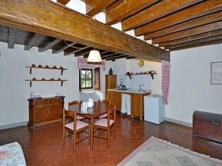 Tuscan Apartment in Historic Castle - Il Castello 13, Montespertoli