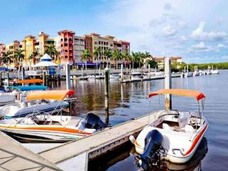 Oliveri Vacation Rental at Royal Harbor, Naples