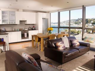 The Penthouse on Evans Bay, Wellington