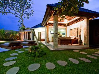 Villa Pulu Seminyak - 3 Bedroom Bali Holiday Villas