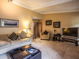 Sunny West Vail Townhouse~ On the Free Vail Bus Route~ Great Family Get Away!