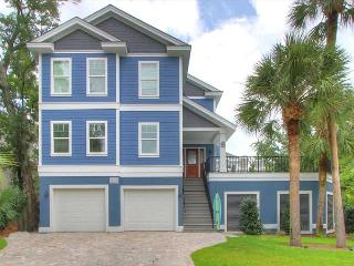 27 Pelican-New, 3rd Row Ocean home w/ Hot Tub & Heated Pool., Hilton Head