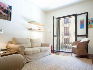 Born Tranquilo apartment in El Borne with WiFi, integrated air conditioning (hot