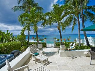 Milord - Ideal for Couples and Families, Beautiful Pool and Beach