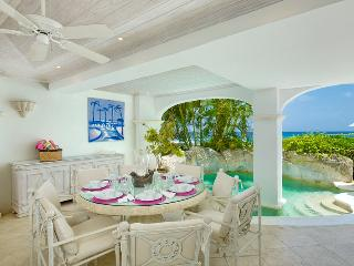 Exceptional Three Bedroom Apartment, Paynes Bay