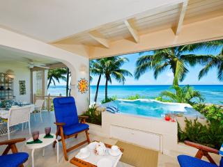 True Beachfront, Ideal for Couples & Families, Cook for 2 meals/day, Plunge Pool