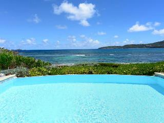 Sea Sand And Sun - Ideal for Couples and Families, Beautiful Pool and Beach