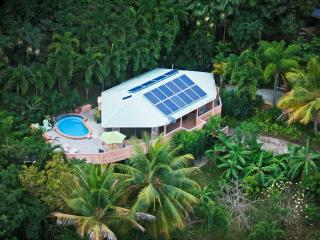 Stone Cottage - Ideal for Couples and Families, Beautiful Pool and Beach, St. Thomas