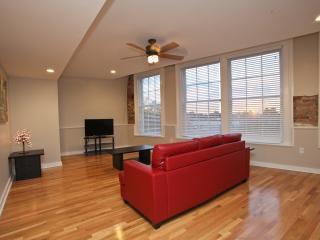 Hosteeva French Quarter Luxury Suite 302 for 4 Ppl, Nueva Orleans