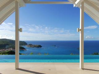 The View - Ideal for Couples and Families, Beautiful Pool and Beach