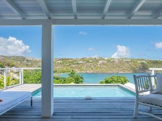 Teora - Ideal for Couples and Families, Beautiful Pool and Beach, Marigot