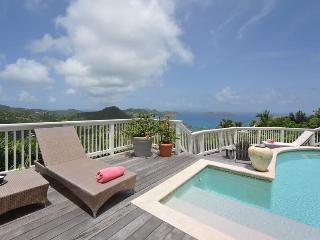 Vagabond - Ideal for Couples and Families, Beautiful Pool and Beach