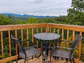 Hightop Haven, Sevierville