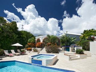 Villa Gardenia - Ideal for Couples and Families, Beautiful Pool and Beach