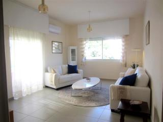 2 Bed Apartment 200m from the Sea