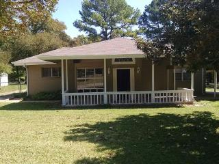 Beautiful Lake Texoma Rental with Free Guest House, Pottsboro