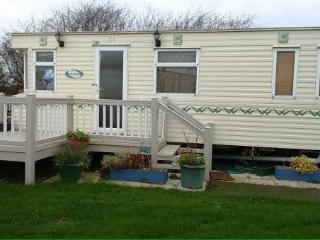 NEW for 2016 - 3 bed caravan, Park Resorts Site., Great Yarmouth