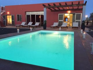Villa Paradise, Sea views...private pool & garden., Caleta de Fuste
