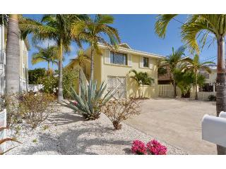 150 yards to beach!  Island Time Cottage - West, Bradenton Beach