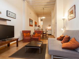 Parallel-1: Apartamento familiar con patio privado